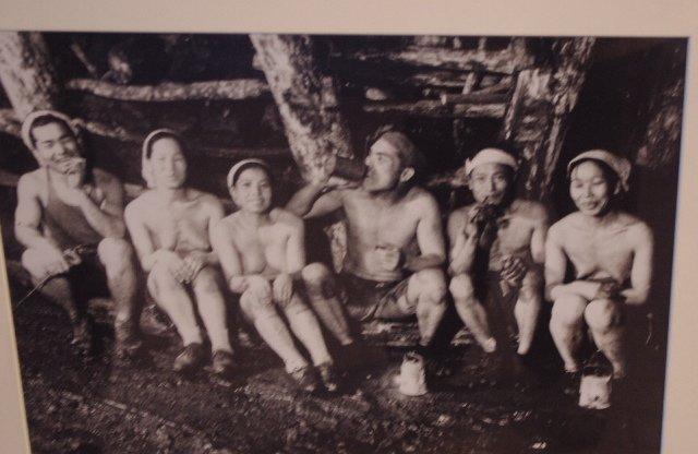 炭鉱は女人禁制ではありません。炭坑婦も結構いました。念のため #あさが来た https://t.co/cZrl0pLwx0