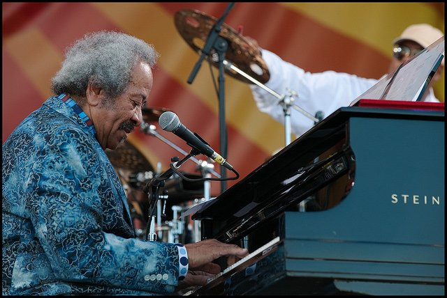 We're sad to share the news that Allen Toussaint passed away Monday while on tour in Spain. https://t.co/rp36qpzgwO https://t.co/X9hRKWT3nh