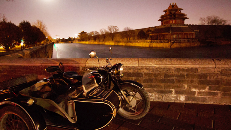 Have you ever tried traveling #Beijing with #side-car or #moto?