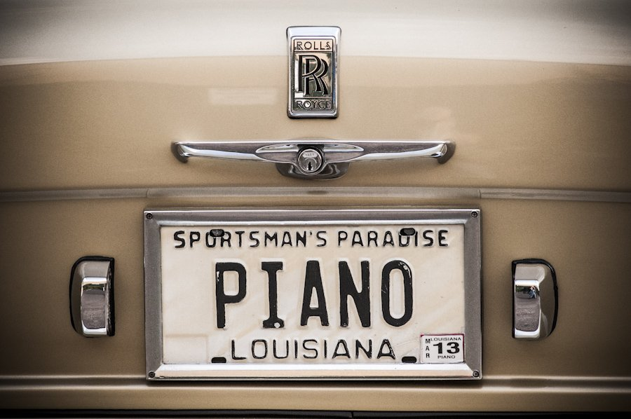 Seeing A. Toussaint cruising around late night in one of his two Rolls Royces was a special NOLA thrill. Pic/@pxnola https://t.co/OeIOIM5A6N