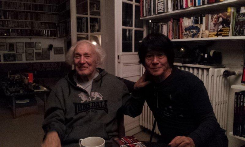 森山大道 in パリ 森山さんが敬愛するウィリアム・クラインを訪ねる。 https://t.co/NWTPPDTdNM