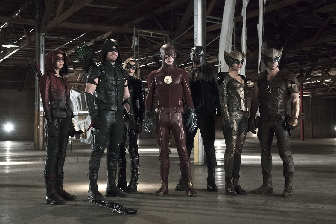 This year¹s Arrow-Flash crossover is only 3 weeks away! #TheFlash #Arrow #LegendsOfTomorrow @GBerlanti @AJKreisberg https://t.co/7QqwjXZ3Js