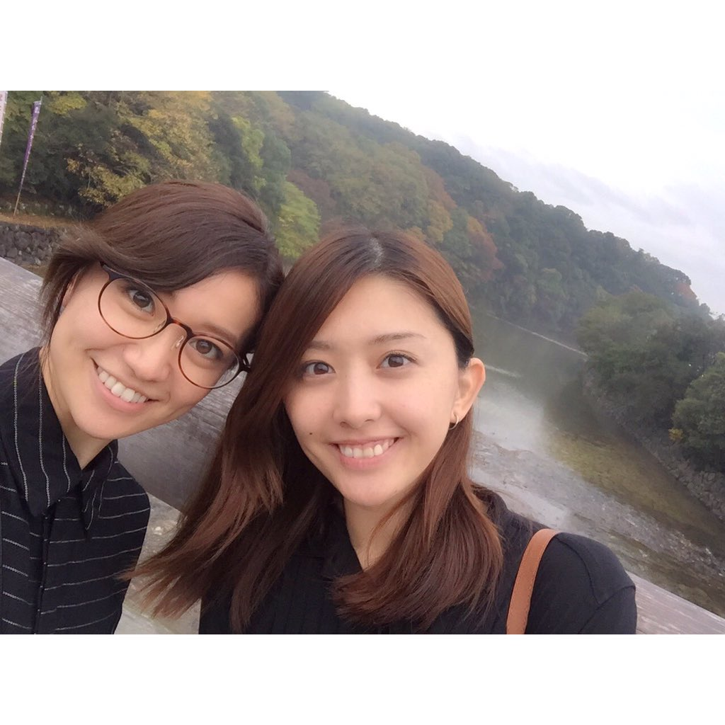 メガネが可愛い大島優子