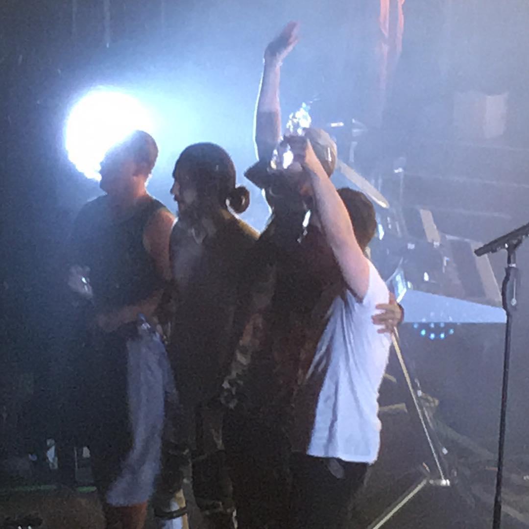 Louder than love tour 2019