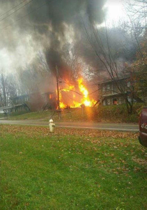 PHOTO from viewer Brittany Prunty of small plane crashed into apartment building in Akron. #BreakingNews https://t.co/DIlSeyF23j