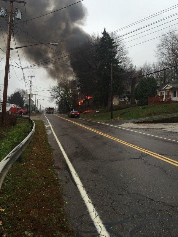 #Breaking , plane crash in residence area in #Akron #Ohio https://t.co/GEyWcGeDZP