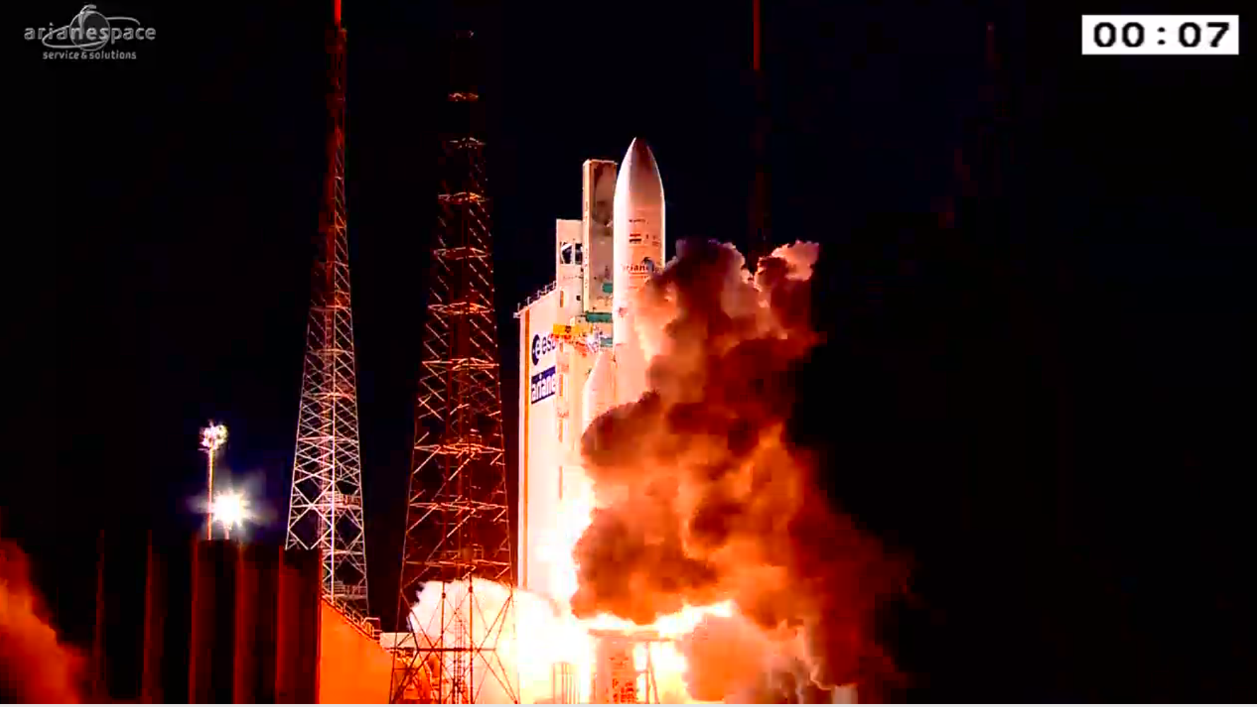 Lancement Ariane 5 ECA VA227 / ARABSAT 6B & GSAT 15 - 10 Novembre 2015  CTexqD6WIAA-zg0