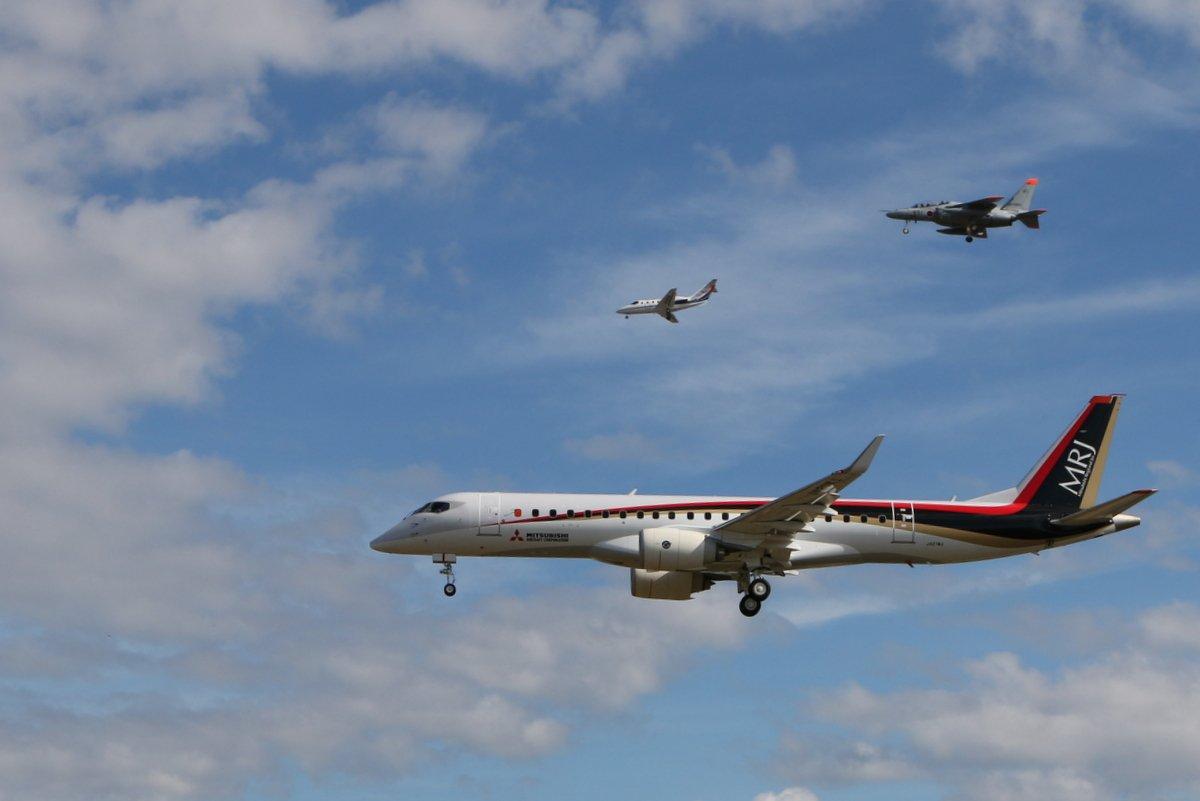 MRJ、初飛行を成功裡に終える 飛行時間は1時間27分 https://t.co/y8OWfz702K https://t.co/OgZdrTbUfT