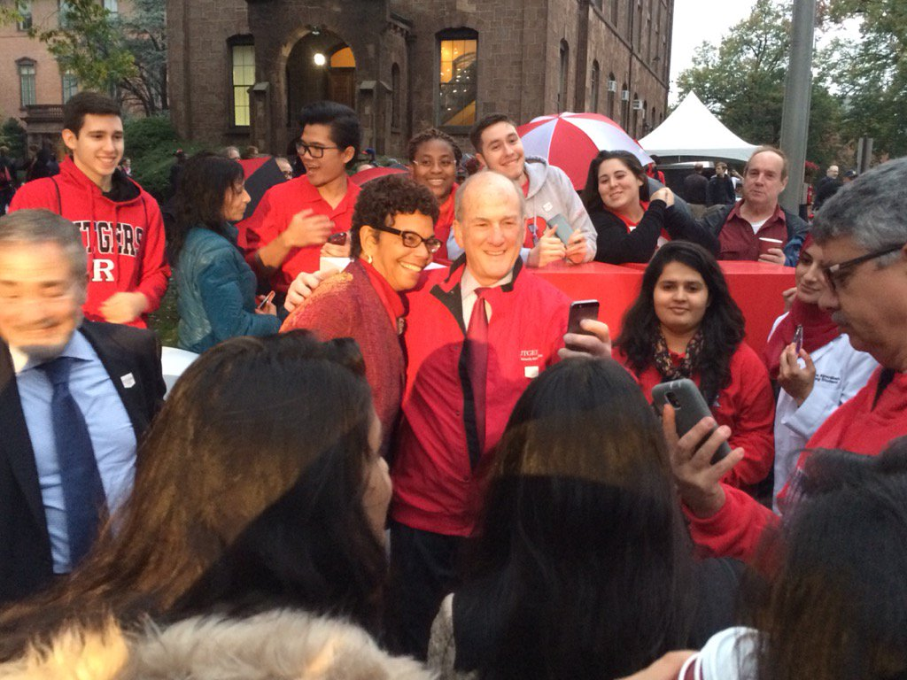".@RutgersU Pres. Barchi kicks off J&J's #Rutgers250 photo fundraiser in front of new ""Revolutionary"" sculpture gift. https://t.co/g5Hzq7m8sA"