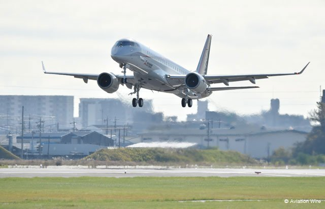 "MRJが初飛行 YS-11以来53年ぶり、""11″並びの日 aviationwire.jp/archives/74320 #MRJ #小牧空港 #県営名古屋空港 pic.twitter.com/jGPtKEWJMp"