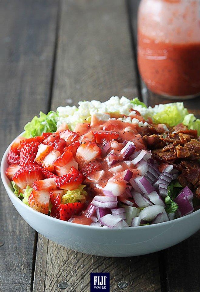把這些放進沙律兜搞兩搞,再加些生果,就成了美味沙律了!Add some color to your salad! #EarthsFinest #FIJIWater Photo credit: Le Crème De La Crumb https://t.co/vzRaQEfXMJ