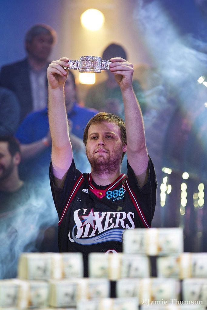 Congrats to Joe McKeehen (@dude904), the 2015 WSOP Main Event Champion! https://t.co/FniJtXXEpD https://t.co/S0fY5DPXLx