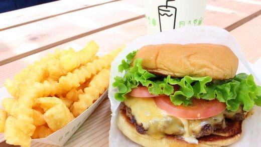 【待望】Shake Shack(シェイク シャック)日本1号店のハンバーガーはやっぱりウマかった https://t.co/YSfXRahrnj https://t.co/zK3Pb3Y611 @entabejpから