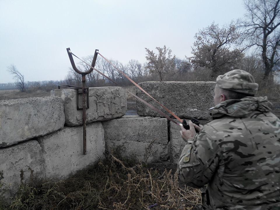 Террористы стягивают тяжелую бронетехнику в Донецк, в Горловку - наемников из РФ, - ИС - Цензор.НЕТ 592