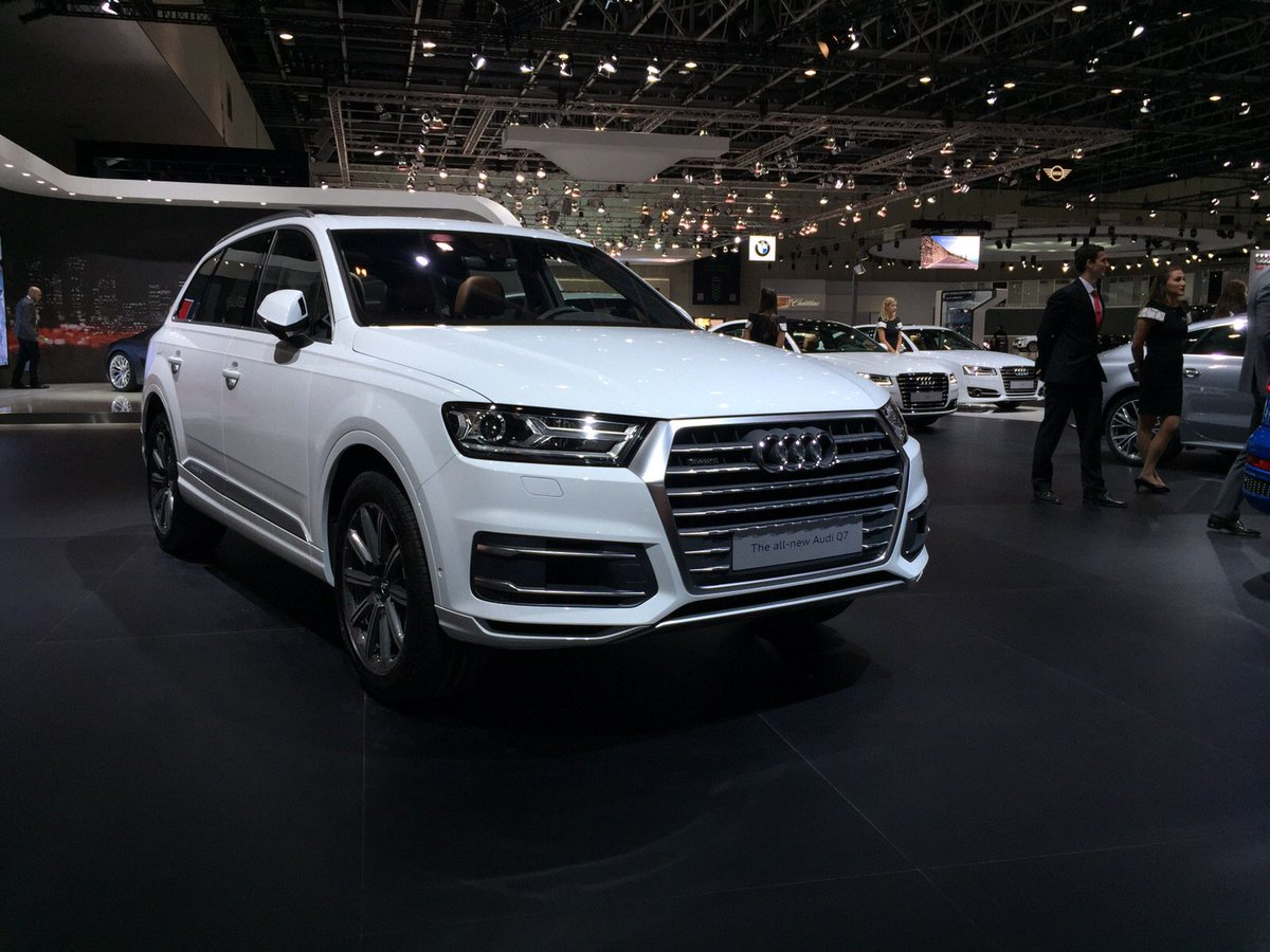 Audi Middle East On Twitter Glacier White Nougat Brown Interior The All New Audi Q7 At