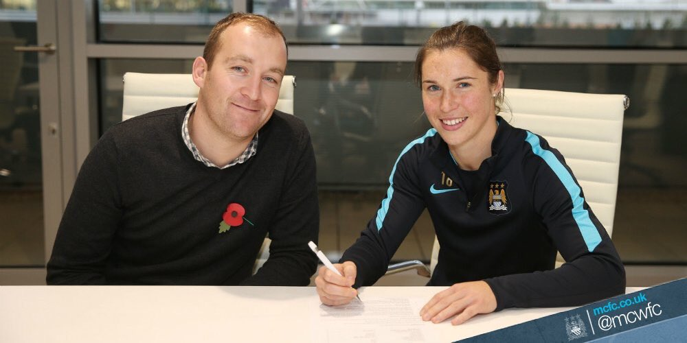 OFFICIAL: @MCWFC have signed Scottish striker @janeross10 from Vittsjo GIK on a two year contract.   #MCWFC<br>http://pic.twitter.com/PochJ3xHtB