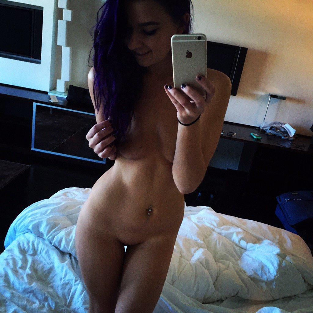 Nude Selfie 2904