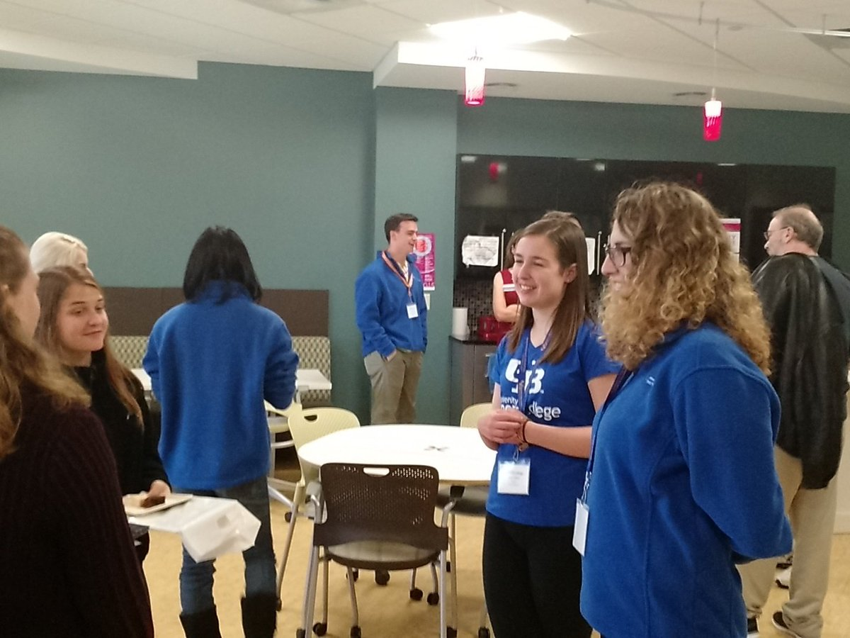 Open House at the Honors College #UBuffalo #lightrefreshments  @UBAdmissions https://t.co/xaSvhYJseP