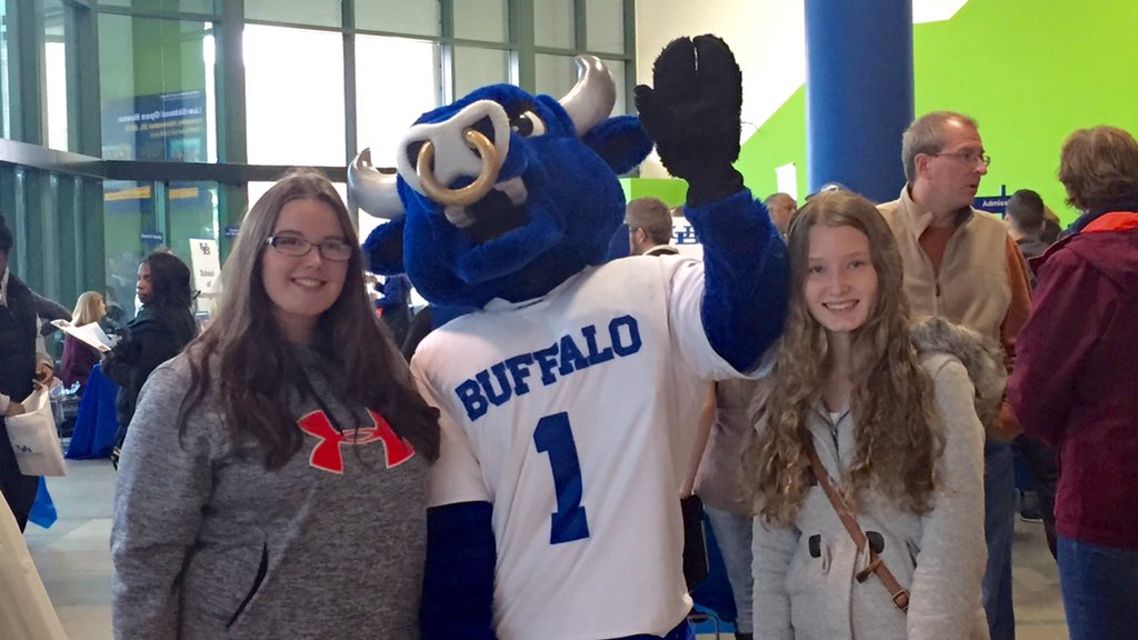 Help us welcome all of our visitors for #UBuffalo Discovery Day! https://t.co/dinCCwY5tB