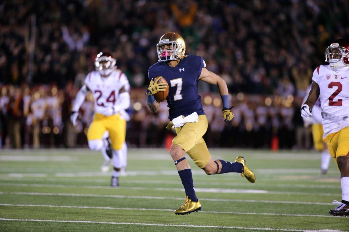 Huge news for the Irish. Will Fuller plans to return next season to Notre Dame, per @BGI_AndrewOwens. More to come. https://t.co/eaLyRwCiy2