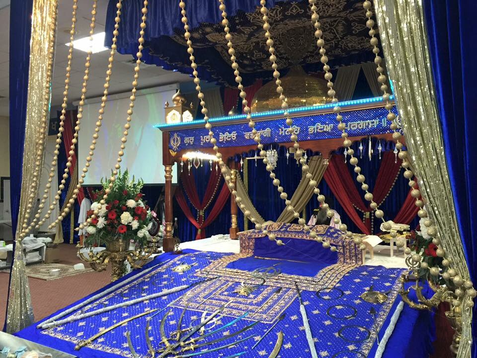 Gurdwara visit to celebrate #Diwali✨ @ChevroletCanada #mmchevy #Equinox https://t.co/0FuBn1naUk