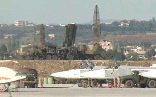 Радарная система входящая в комплекс С-400 на авиабазе Хмеймим.