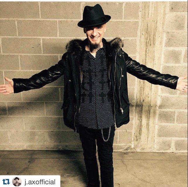 Thanks to @jaxofficial for choosing #johnrichmond. #jax #johnrichmondofficial #fashion #celebrity #music #singer https://t.co/mayXe1jNNW