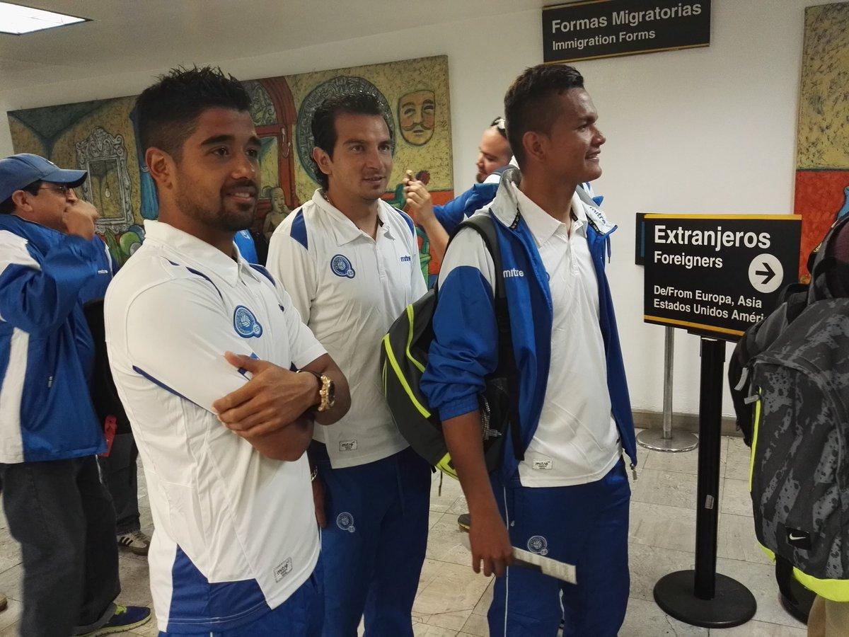 Rusia 2018: El Salvador vs Mexico en ciudad mexico el 13 de noviembre del 2015.  Informacion del juego. CToIkIuUEAAgHPk