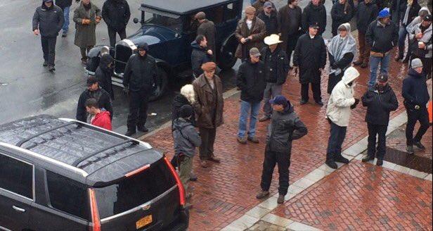#Batman aka #BruceWayne aka Ben Affleck, shooting his new movie in Lawrence, MA https://t.co/opBTjZPhT2