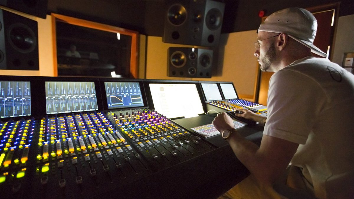 Listen to the second part of our exclusive interview with #NoahShebib @OVO40 https://t.co/hWuiuQDuv7 #ProTools #Avid https://t.co/PKBzRNOxtO