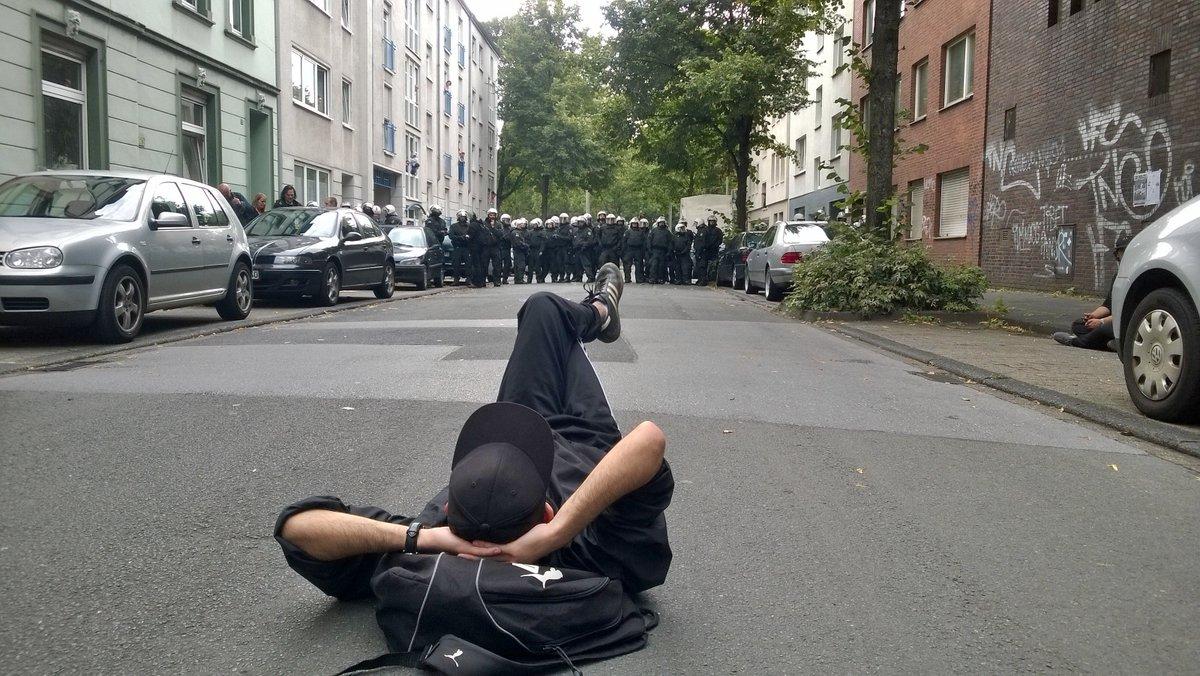 """Blogger Robert Rutkowski mit dem Foto """"Locker bleiben"""" ist auf dem 2. Platz gelandet - Glückwunsch dazu #prba15 https://t.co/lZDYprVNiE"""