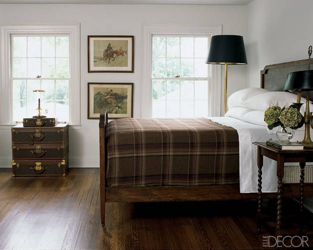 A4: If nothing else, a Bachelor Bedroom should feature a knock-out bed & quality mattress. #DesignLUX https://t.co/C2V0NaEZAP