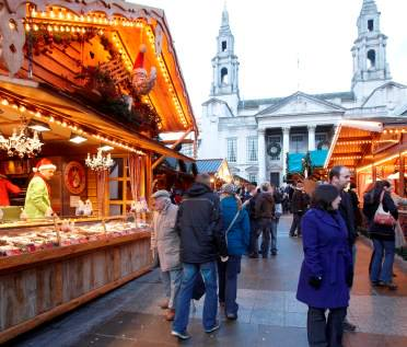 TOP THINGS TO DO IN LEEDS THIS CHRISTMAS https://t.co/UIvKgQuOlB https://t.co/hedxvv6aWr
