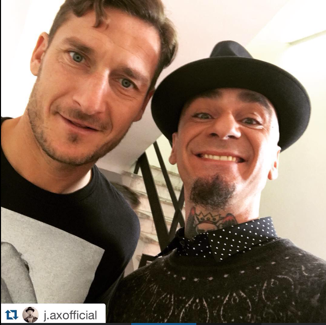 #jax in #johnrichmond with the #famous #soccer #player #francescototti. #johnrichmondofficial  #singer #Totti https://t.co/Dzr8QKn67S