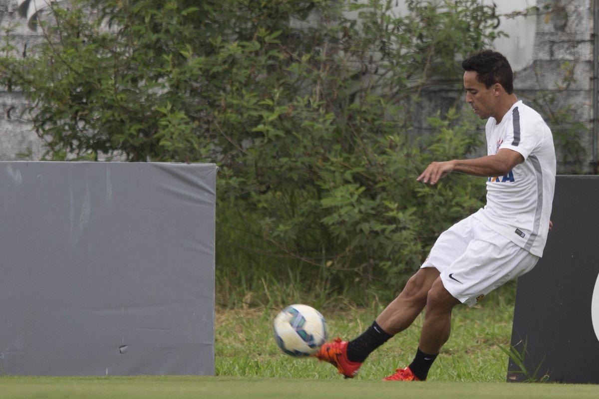Autor do gol corinthiano no jogo-treino de hoje 19d51f21b38