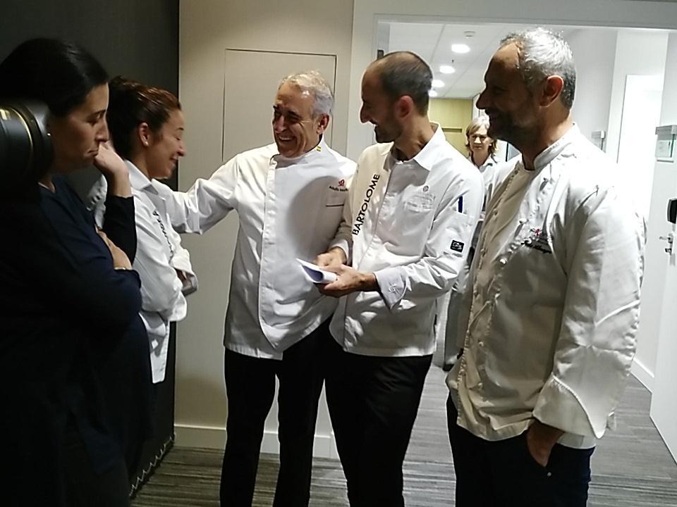 Han llegado ya algunos de los chefs implicados en #Cheftochef https://t.co/ZSxDvHndXg