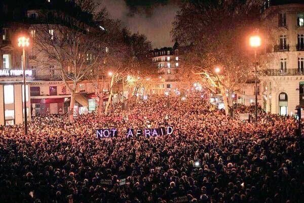 #Paris right now. #solidarity 🇫🇷 https://t.co/1r6QRjpEpl