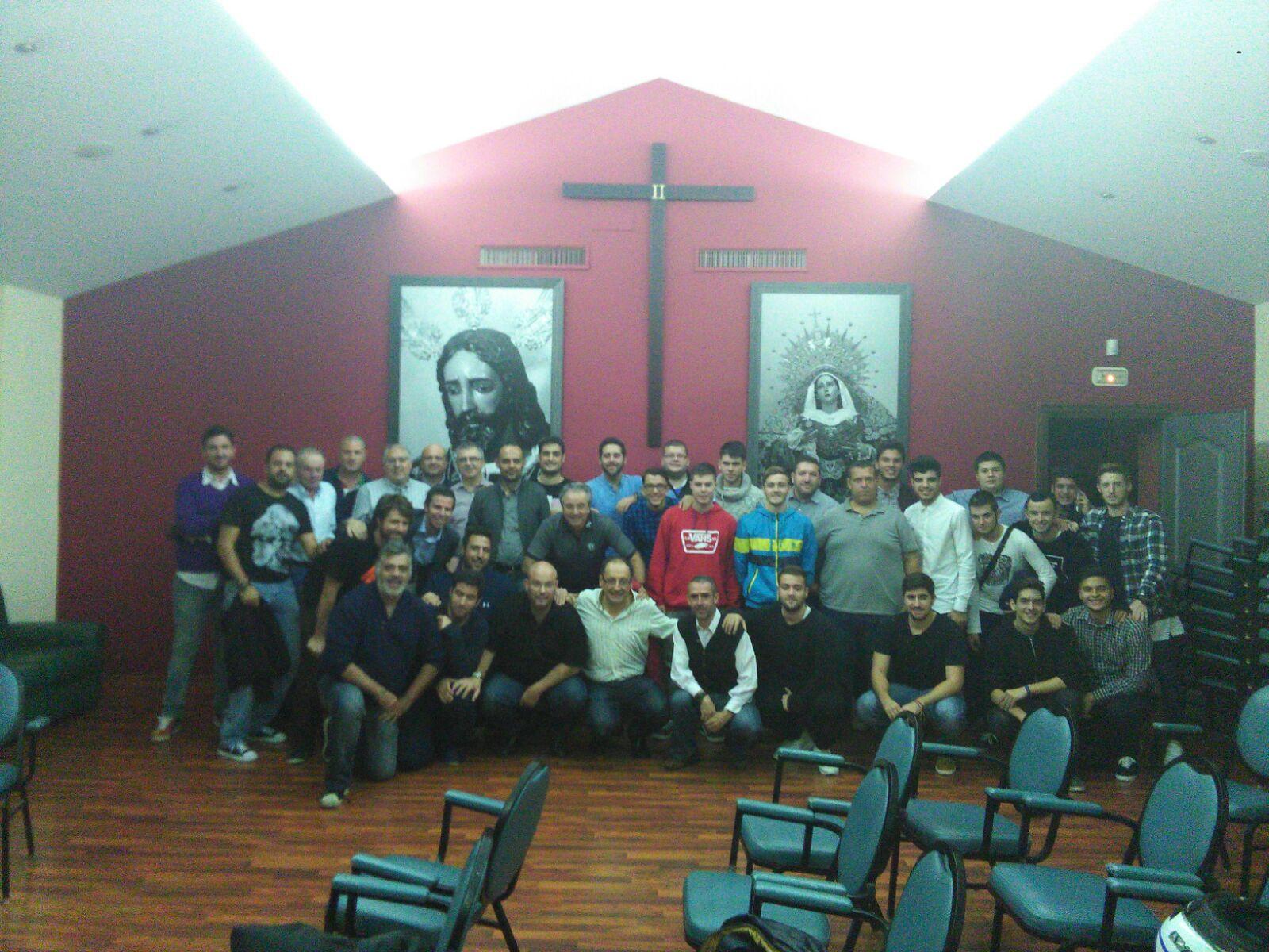 Reunión hombres de trono Jesús del Rescate