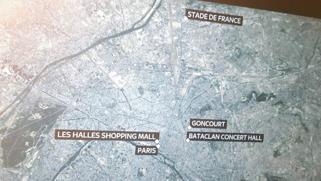 Reports coming in that there has been another shooting in Les Halles shopping mall and Le Louvre #ParisAttacks https://t.co/0x44cXereN