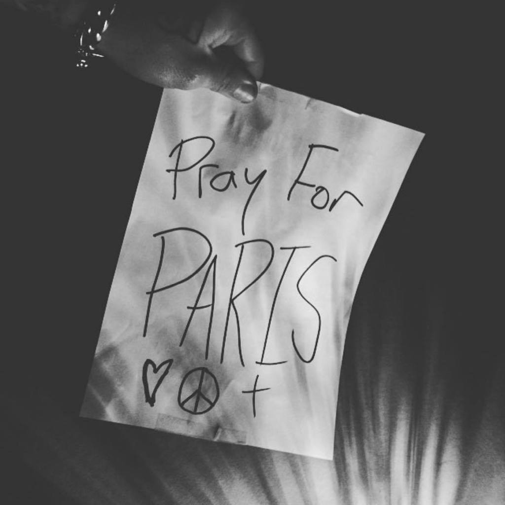 #Repost @jacobyshaddix ・・・ #prayforparis #praying #eaglesofdeathmetal #bataclan #lapetitecambodge #terror https://t.co/legTKQZnrB