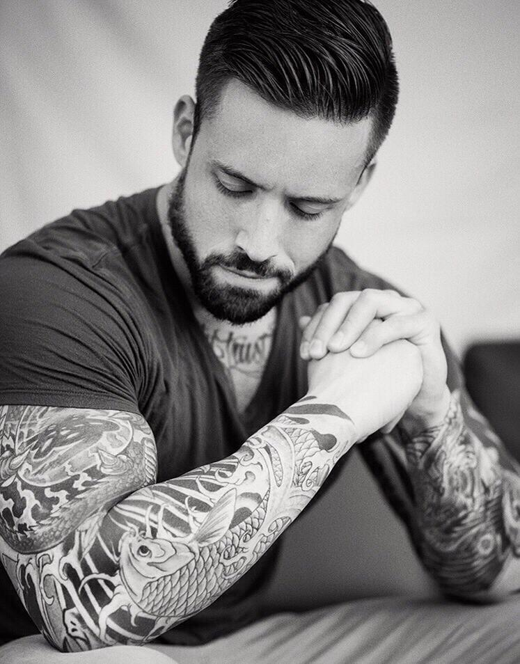 nasa guy with tattoos - 736×939