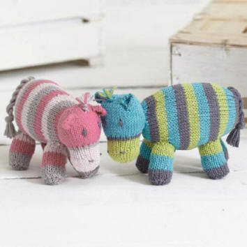 Diannes Knitting On Twitter Free Sirdar Knitting Pattern Hatty
