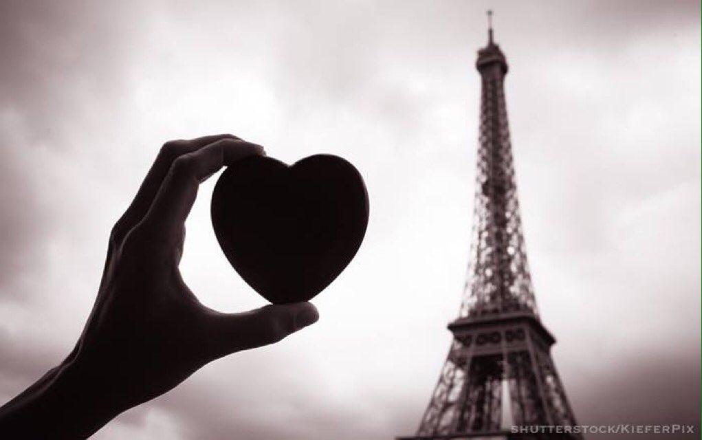 Our hearts are with #Paris #jesuisparis https://t.co/X05QqBIYz8