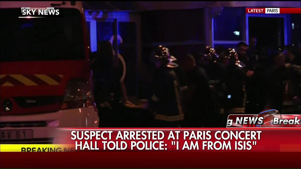 Attaques multiples à Paris - Page 2 CTuuNM6UsAEbscz