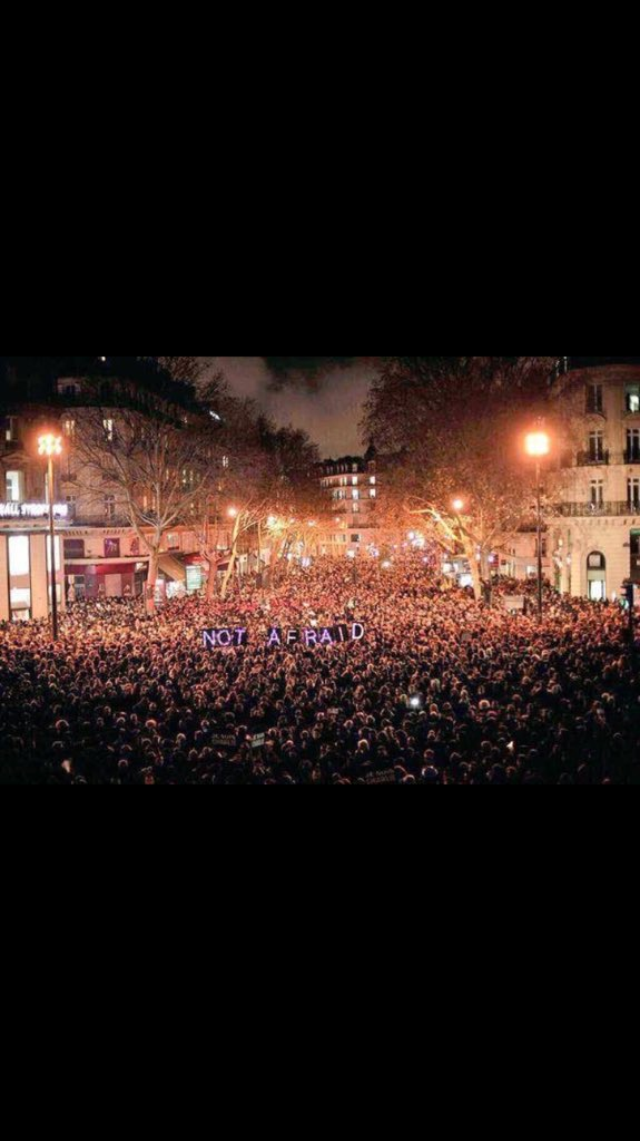 #paris You are an amazing country. Full of amazing people. This is so cool!!! https://t.co/DxVSLUiFQr