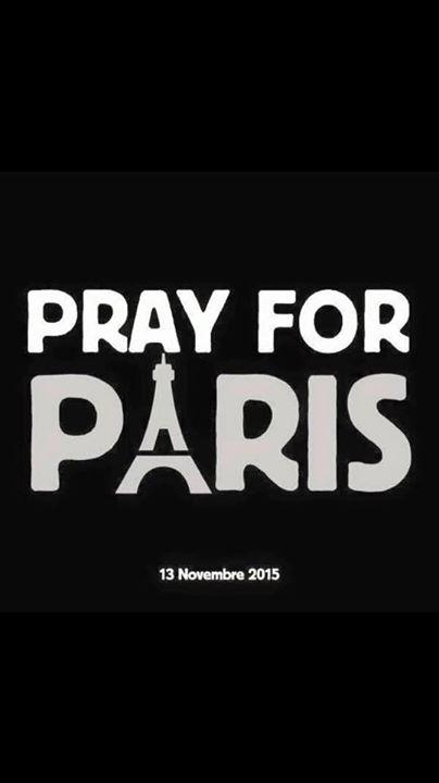 프랑스에 있는 우리의 가족과 친구들의 안부를 걱정하며 여러분 모두 안전하시길 바랍니다!  #staysafeParis https://t.co/BPpripRK2Z