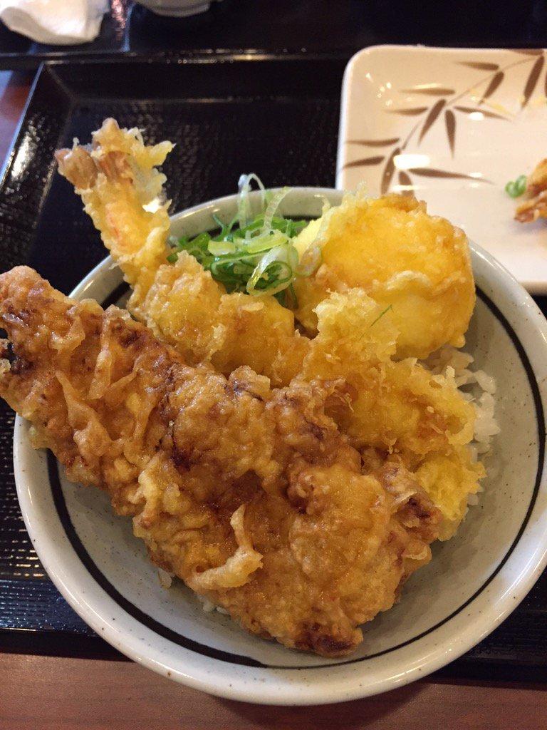 丸亀製麺の人気裏メニューは天丼!お好きな天ぷらのっけて大満足