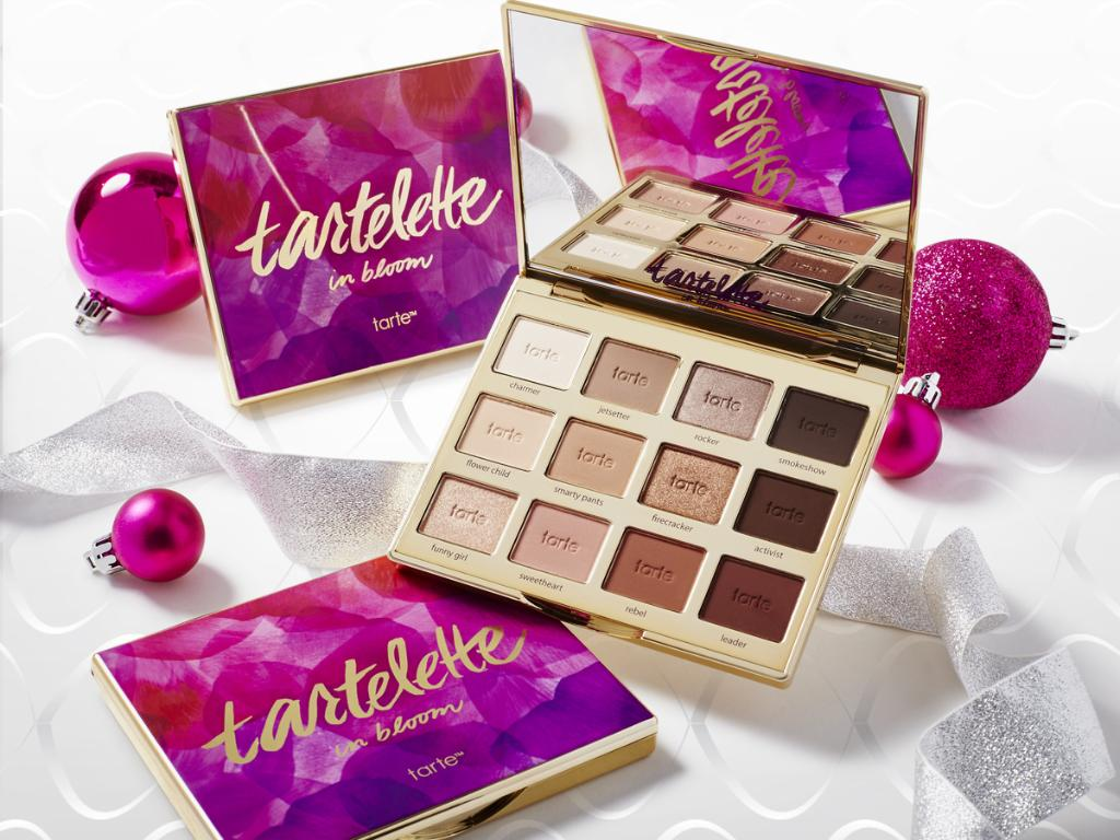 Online TOMORROW! RT if you're as excited as us about @tartecosmetics NEW #tarteletteinbloom Amazonian clay palette! https://t.co/8q0pmI4Xia