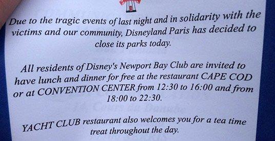 Les parcs de Disneyland Paris fermés du 14  au 17 novembre 2015 inclus - Page 12 CTxwctyUcAEKjbm