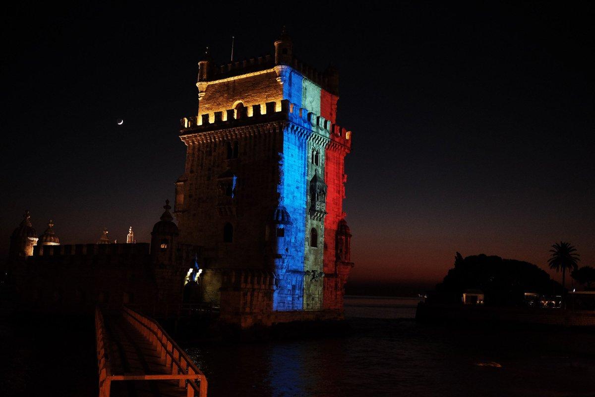 Torre de Belém tricolor: a solidariedade portuguesa https://t.co/atP7gUOsCz